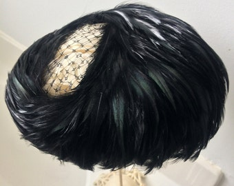 Black feather hat vintage 1940 with green blue sheen