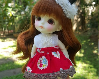 Red skirt with white dress for lati yellow