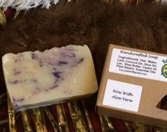 Lavender and Jasmine Handcrafted soap. By Yankiwi