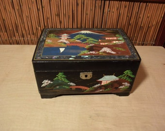 Vintage Japanese Lacquer Musical Jewelry Box Mother Of Pearl Inlaid Mountain Fuji