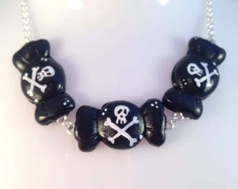 Death by candy statement necklace with skull and crossbone details by Toxic Heart Designs / Candy - Skull & crossbones - Poison sweets