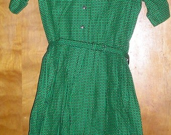 Vintage Retro Green Patterned Dress with matching belt. 1960s