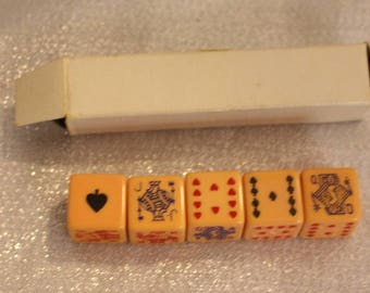Vintage set of 5 Bakelite Poker Dice, Original Box, Dice Game