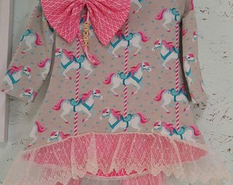 Hi Low Jersey Top with Leggings - size 2T. Carousel Horses, Lace Ruffle,  Large Bow.  Perfect for photos.