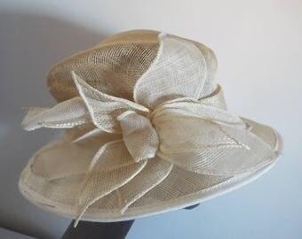 VINTAGE Ladies Large Ivory Sisal large brimmed hat with large flower design front /side