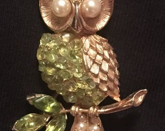 Rhinestone & Faux Pearl Owl Brooch / Pin