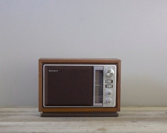 Vintage Sony AM/FM Radio