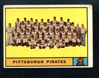 1961 Topps Baseball Pittsburgh Pirates Team Card #554 High Series Book value 80.00 Clemente