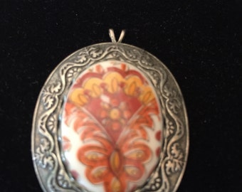 Vintage 1970's Pendant Sterling Silver with raised porcelain floral in edged setting