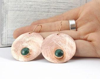 Copper Disc Earrings, Etched copper earrings, Bohemian Ethnic Earrings, Green Malachite Earrings, Bezel set earrings, Green earrings