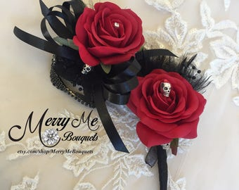 Skull Corsage Set - Black and Red Wrist Corsage - Black and Red Skull Boutonniere - Red Rose Corsage - Halloween Wedding Corsage
