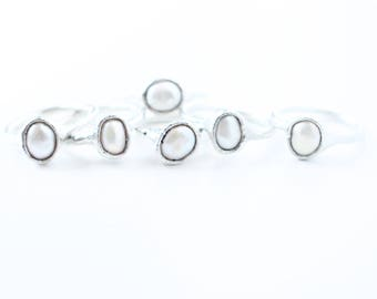 Beautiful freshwater pearl rings // many sizes available