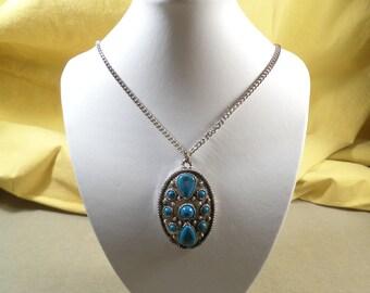 Beautiful Vintage Silver Tone Faux Turquoise Pendant Necklace  DL#1887