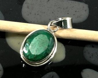 Emerald 925 sterling silver pendant - emerald in 925 Sterling Silver Pendant - 1050