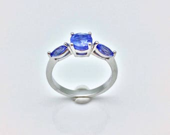 Tanzanite Ring // 925 Sterling Silver // 3 Stone Setting // Purple Tanzanite Ring