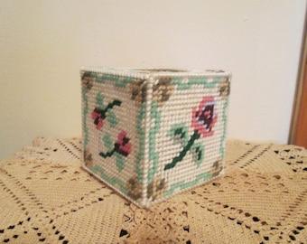 Tumbling Roses Potpourri Box