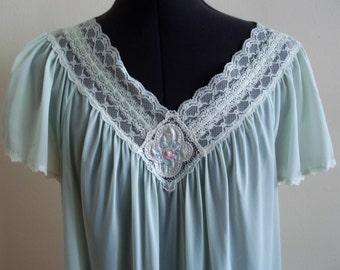 Vintage 1960's Aqua Pale Green Flowy Babydoll Batwing Sleeve Nightgown