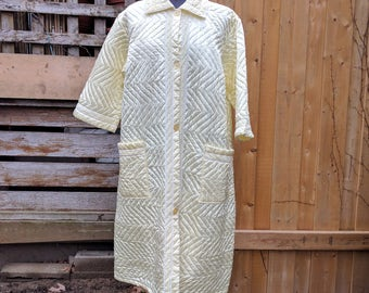 Vintage 1970's Yellow Satin CRIONFO Quilted 100% Polyester Robe Dressing Gown With Two Pockets