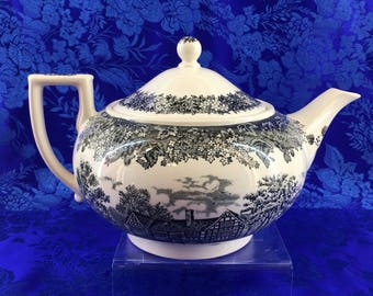 Wedgwood Queen's Ware Romantic England Pottery Teapot Vintage