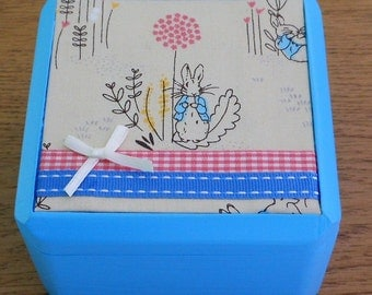 Peter Rabbit wooden/trinket/gift/keepsake/jewellery/ storage box