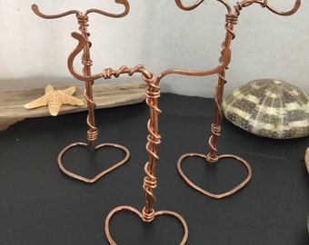 Wire earrings display stand, wire wrapped display, copper jewelry displays, individual earrings displays, heart displays