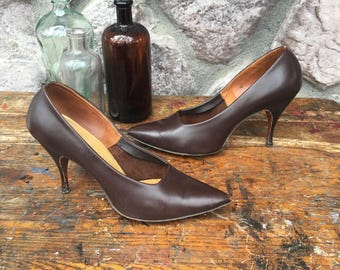 Vintage 50s Chandler's French Room Original Brown Leather Stiletto Pumps / High Spike Heels / Women's Size 8.5