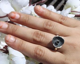 925 Silver Natural Black Onyx Gemstone Ring / 925 Solid Silver Black Onyx Round Cabochon Ring / Semi Precious Gemstone Ring Size US 7.25 R27