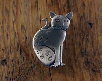 Tabby Cat, Sat, Brooch