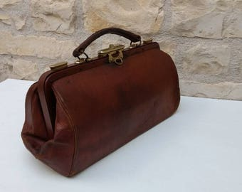 Small French antique / vintage brown leather doctor's bag, Gladstone bag circa early 1900s.