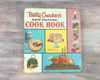 Betty Crocker's New Picture Cook Book - Antique Binder - Cookbook - 1961 First Edition - Fourth Printing - Vintage Kitchen -