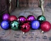10 Vintage Baubles  1980s Baubles  Plastic Baubles  Vintage Decorations  Tree Decorations  Vintage Christmas  Glitter Bauble  Kitsch