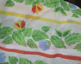 French Tablecloth, Floral Tablecloth, Vintage Tablecloth, Rectangular Tablecloth, French Linens, French Decor, French Style, French Home