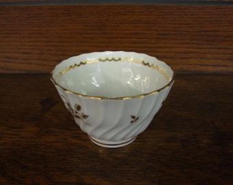 Lovely Worcester Wrythen & Fluted Tea Bowl - Circa 1800