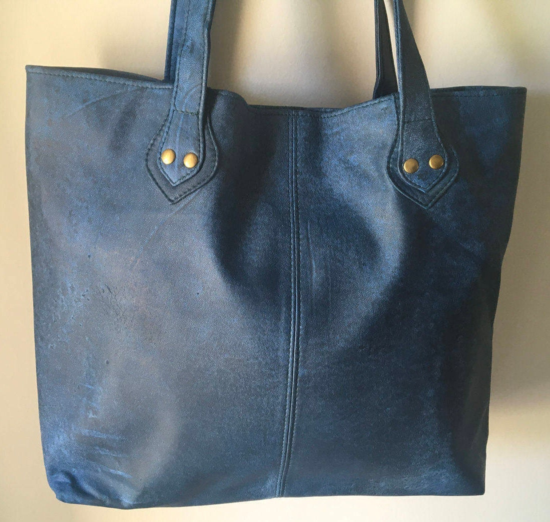 The shopper is the perfect tote market bag. The perfect Leather ...
