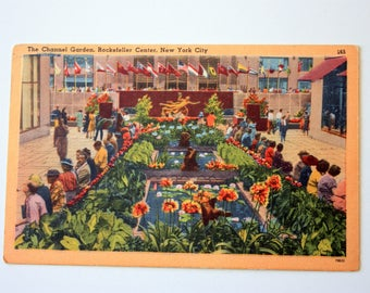 Linen postcard Channel Gardens Rockefeller Center New York City postcard / Promethesus Fountain postcard / vintage NYC / Rockefeller plaza