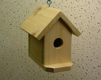 Backyard hanging Birdhouse with clean-out