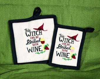 2 Kitchen potholders with wine saying