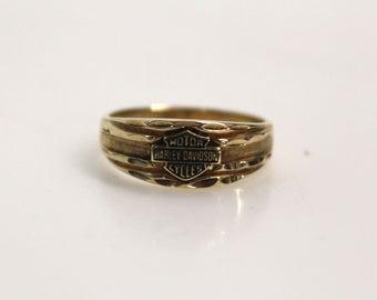 Vintage Estate Jewelry - 10k Yellow Gold Harley Davidson Motorcycles Logo Bike Babe Ring - Size 7