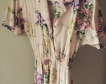 Vintage late 70s early 80s comfy floral dress with pockets size small/medium