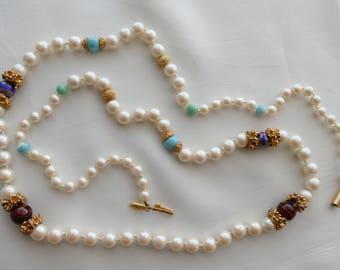 Necklace / long necklace Emanuel Ungaro vintage Pearls Pearl rings way Golden brass