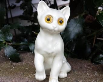 Vintage White Cat Big Eyes Figurine Japan Big Eyed Cat Figurine Cat Yellow Eyes Figurine