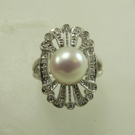 Freshwater White 9.6mm Pearl Ring with Diamond 0.13ct 14k White Gold