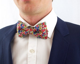 Bow tie in Liberty, pre-noue and adjustable, poppy red and others blue and yellow flowers