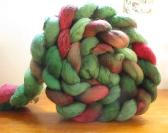 Strand of wool spinning and felting Falkland