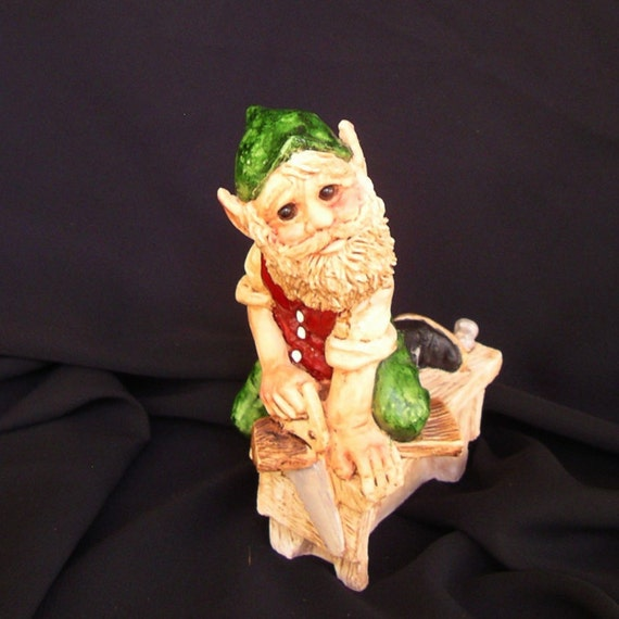 United design elf figurine legend of santa claus