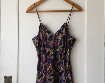 Women's Small - Vintage 90s Retro Ribbon & Bow Patterned Nightie ~ Frederick's of Hollywood