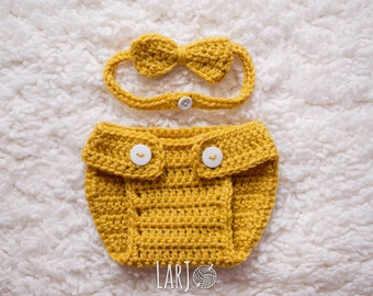 Diaper Cover & Bow Tie Set // Newborn Baby Photography Prop
