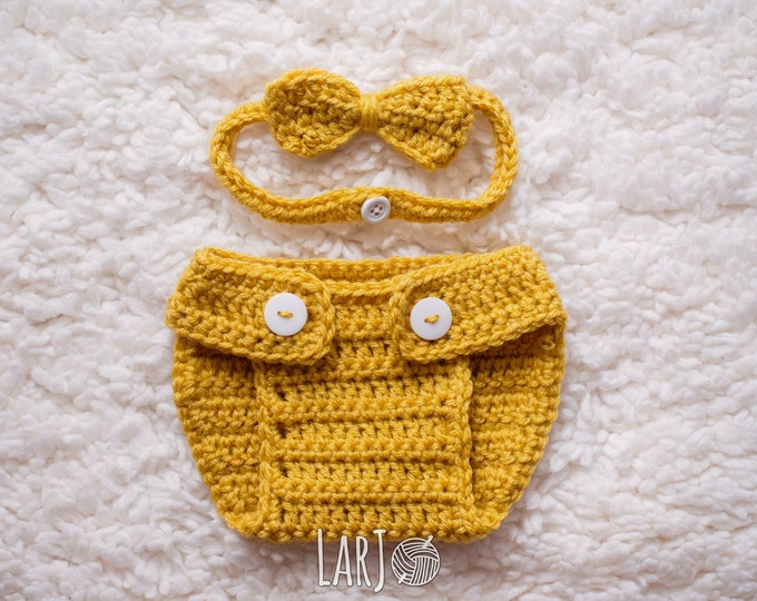 Featured listing image: Diaper Cover & Bow Tie Set // Newborn Baby Photography Prop