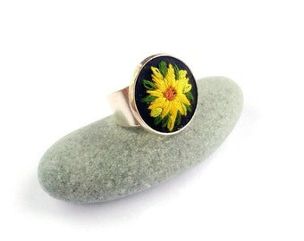 Sunflower ring Spring jewelry gifts for women Embroidered ring Flower jewelry Nature jewelry Birthday gift for girlfriend Yellow black ring