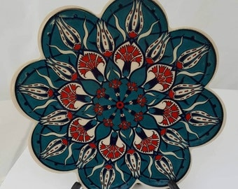 Trivet Turkish Ceramic Scallop-Shaped Plate - Traditional Ottoman Moroccan Tulip Carnation Flower Floral Design